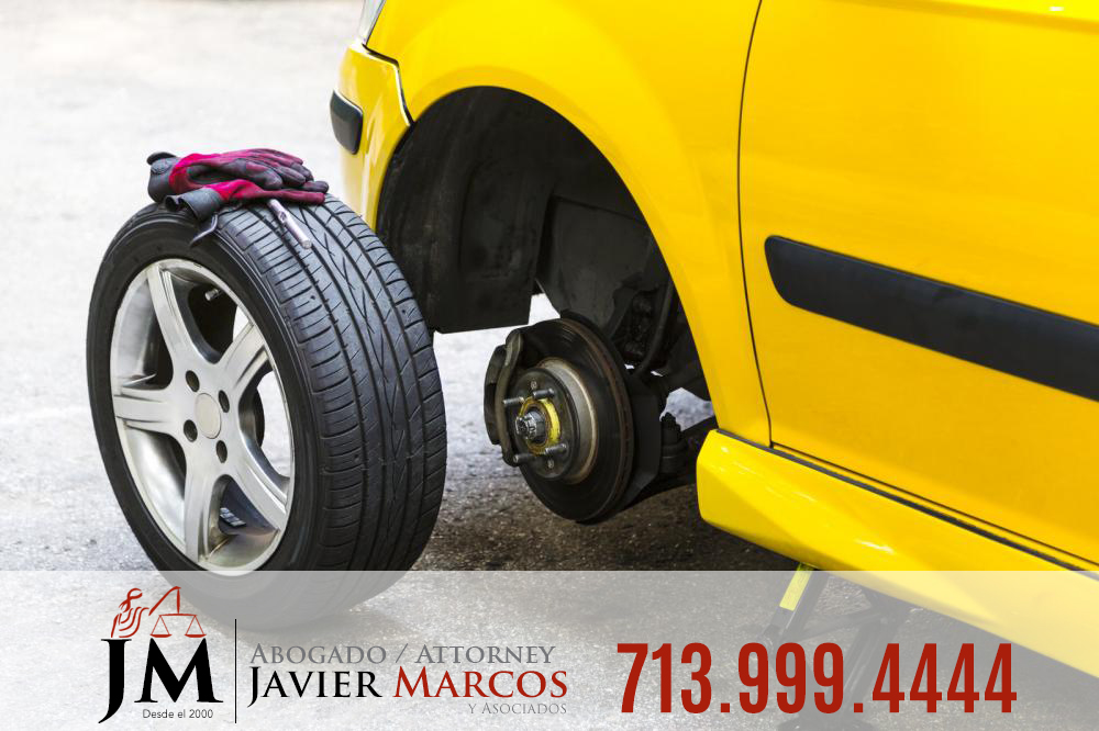 Rollover accidents | Attorney Javier Marcos | 713.999.4444